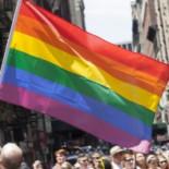Judíos ultraortodoxos contratan a mexicanos para que se manifiesten contra desfile de orgullo gay en su lugar[ENG]