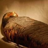 Hallan en Egipto cuatro tumbas con momias de niños de hace más de 5.000 años