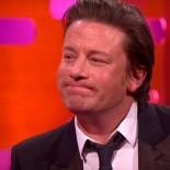 Le enseñan a Jamie Oliver la que se lió en España con su paella y las risas son máximas [ENG]