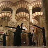Córdoba:  la agresión de las cofradías