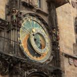 Reloj medieval de 600 años que muestra el estado del universo en tiempo real
